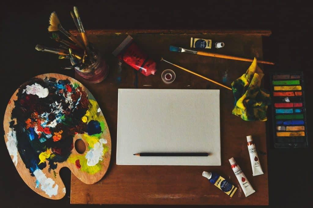 דמיון מודרך- משטח עבודה צבעוני
