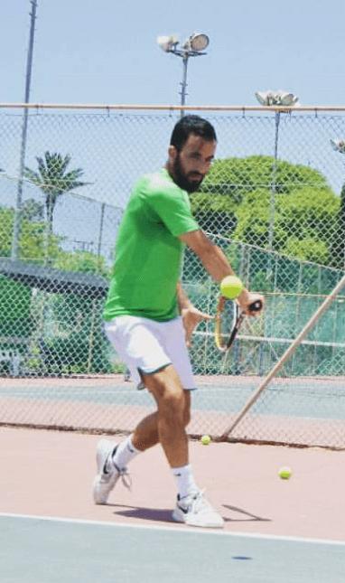 אלכס פרס משחק טניס